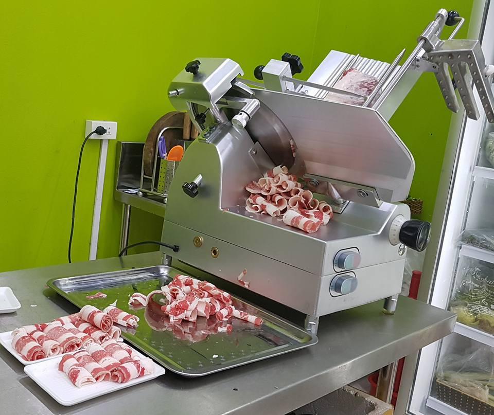 Sơ lược về dòng máy thái thịt chín, thịt đông se lạnh